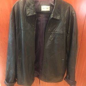 black leather jacket, men's but could be unisex🖤